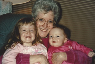 16d - 1993 Nana, Abbe and Emily